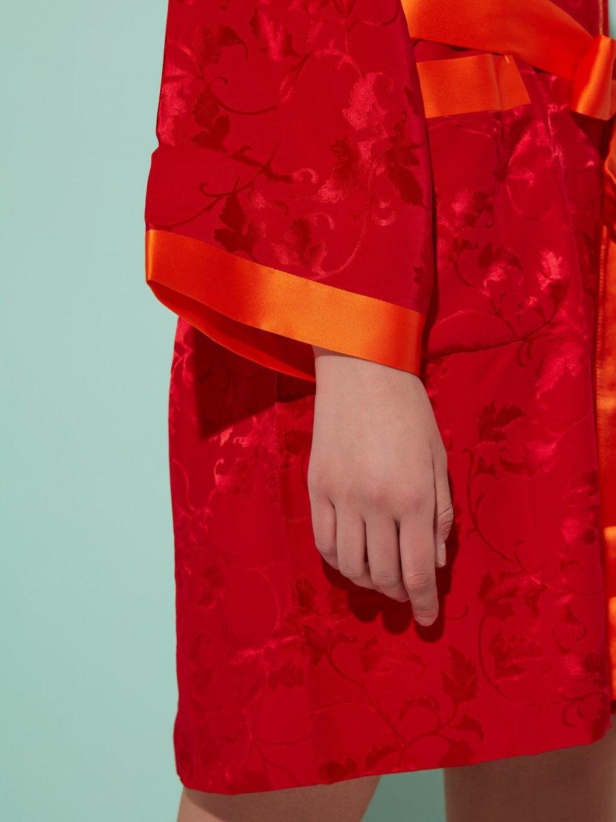 Silk Short Kimono with Leaves Pattern