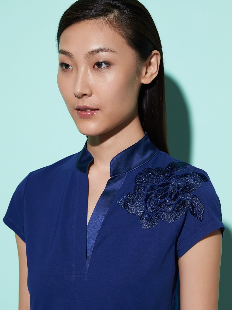 Floral Embroidery Cotton-Stretch Top