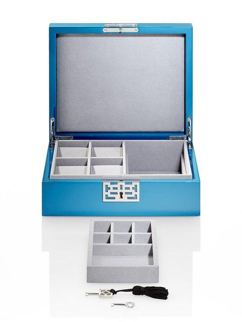 Lattice Accessories Box in Lacquer Wood