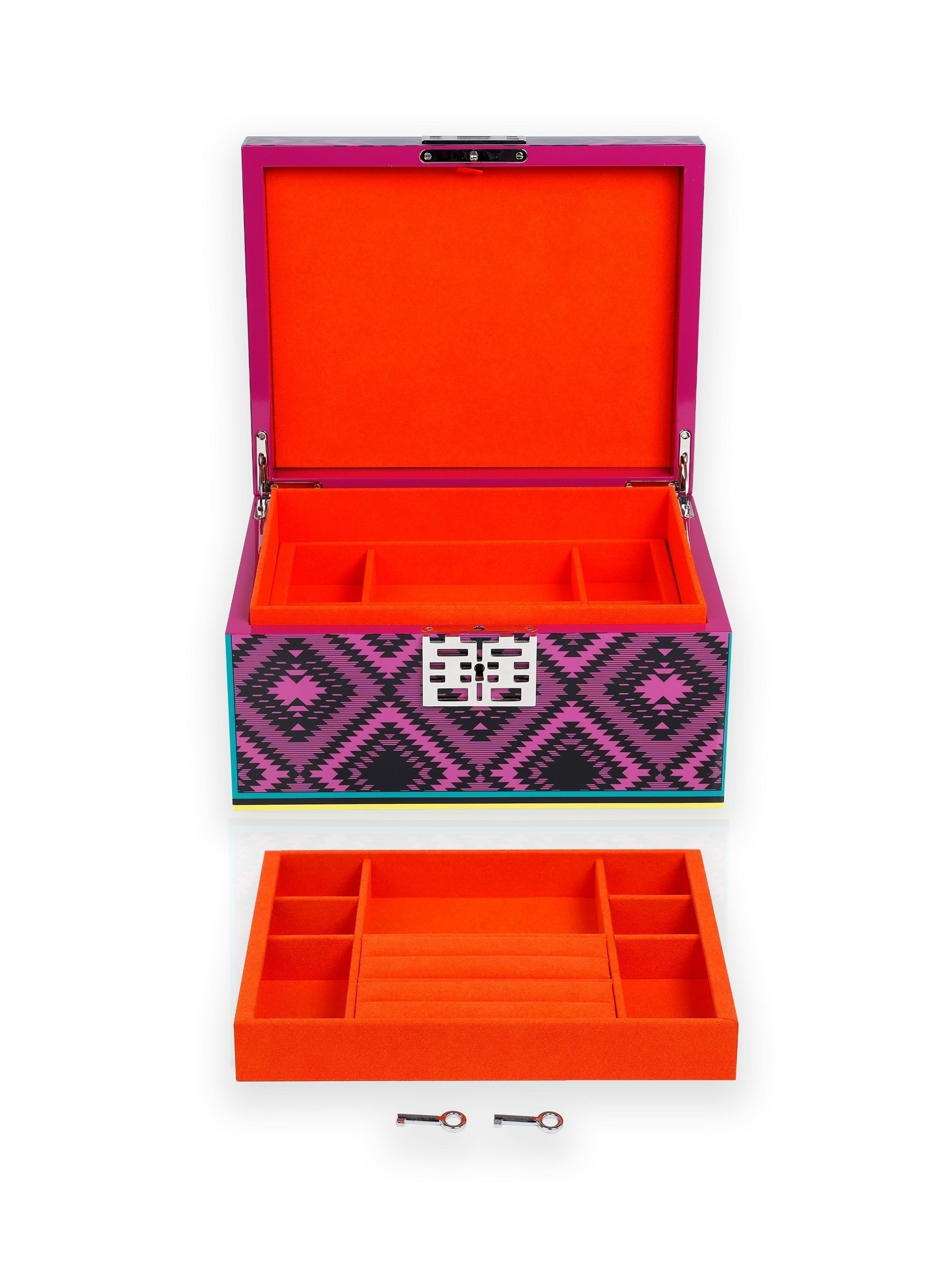 DH Chinese Dress Lacquer Jewellery Box L