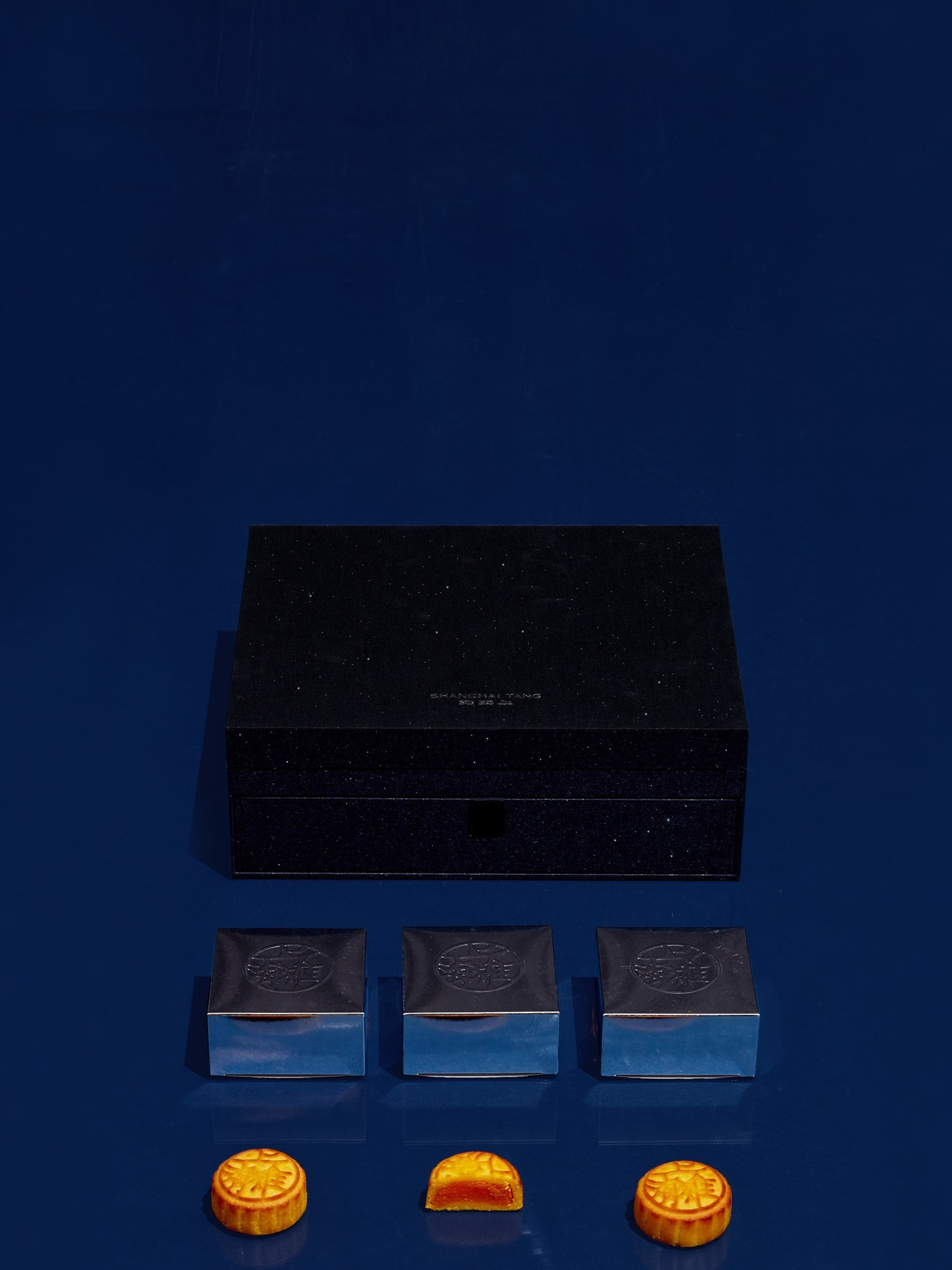 Shanghai Tang Midnight Blue Luxury Mooncake Set Voucher