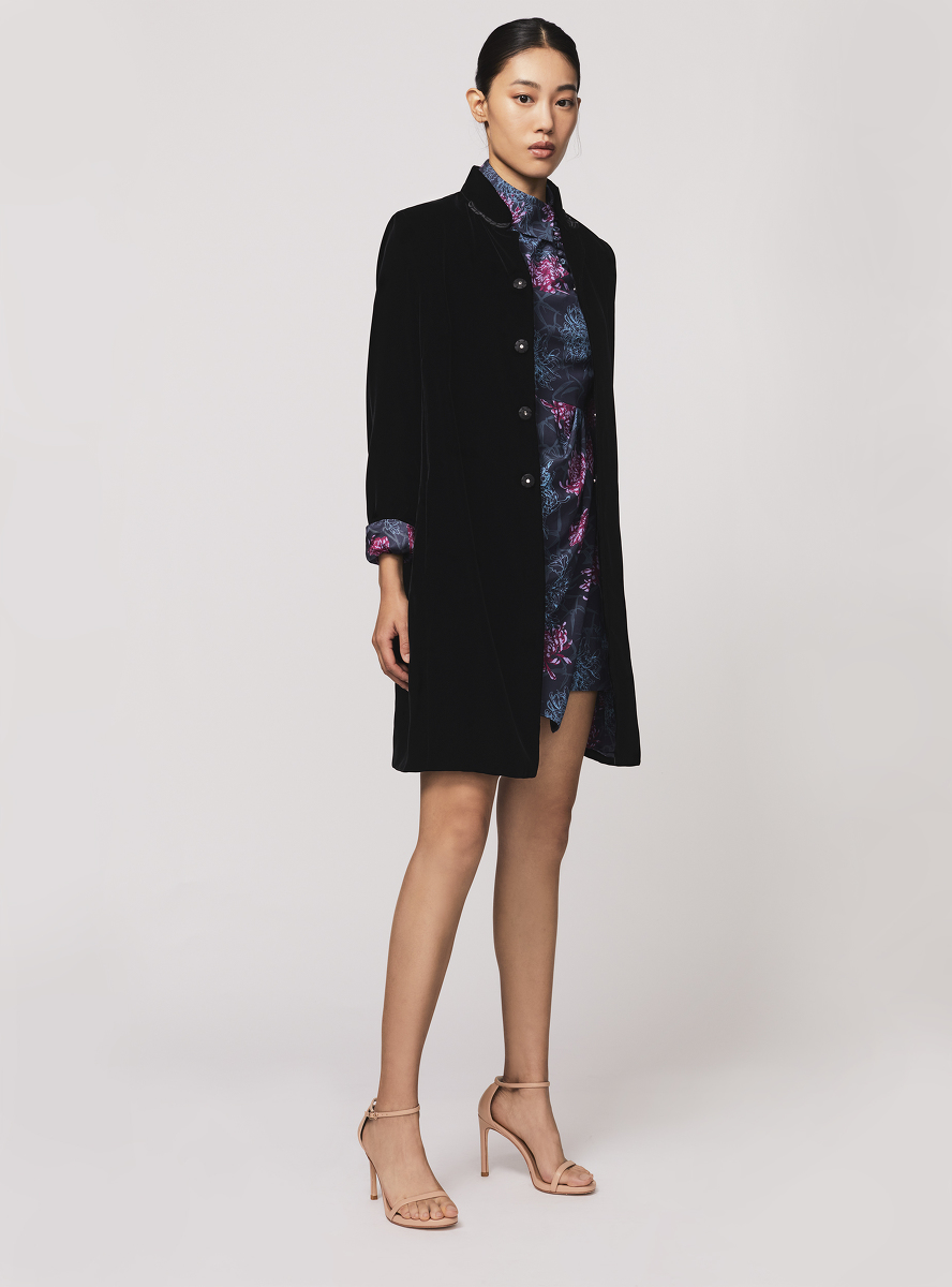 Mandarin Collar Velvet Coat with Chrysanthemum Silk Lining
