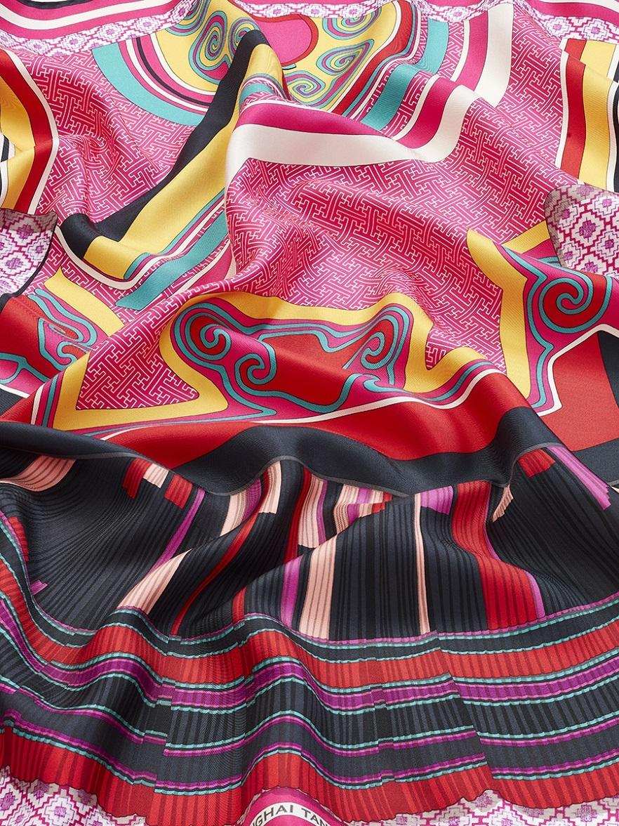 Chinese Robe Silk Twill Foulard
