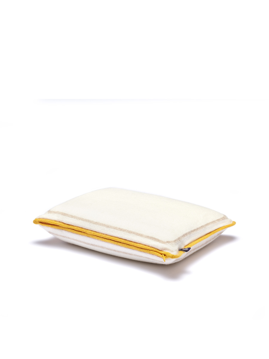 Cashmere Knit Blanket and Zip Pillow Set