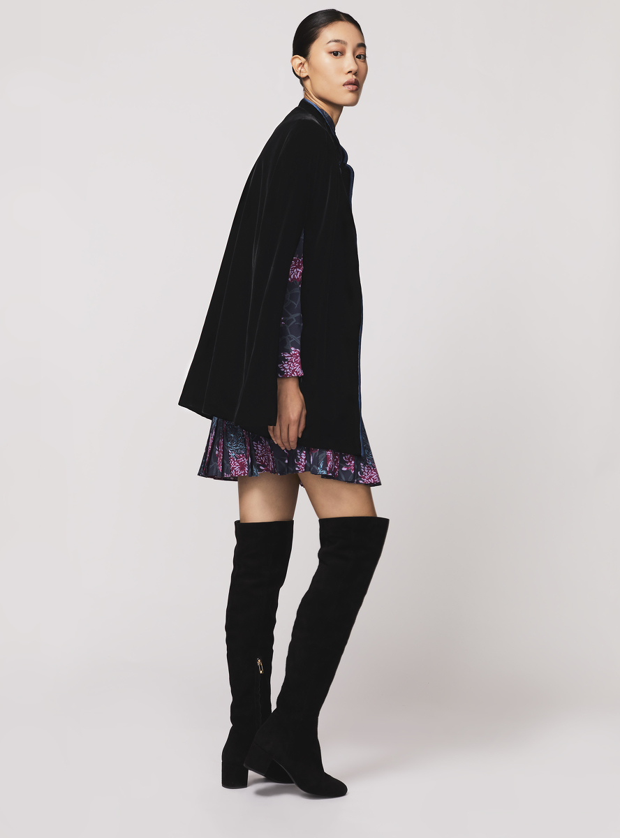 Velvet Cape with Chrysanthemum and Bamboo Silk Lining